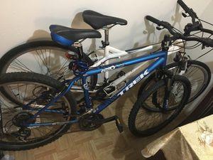 Two bikes one trek and schwinn for Sale in Houston, TX