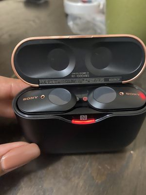 Sony True Wireless Noise Canceling Headphones for Sale in Miami, FL