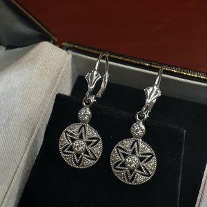 14k white gold star earrings with genuine diamonds made in mexico Aretes de estrella 14k de oro blanco con diamantes genuinos hecho en mexico for Sale in Santa Ana, CA