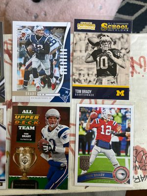 14 football cards Tom Brady&gronk for Sale in Gilroy, CA