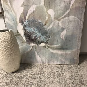 Used for staging huge wall art picture flower All Wood Picture frame From Kirkland 3 1/2 Ft 4 Ft give or take with vase pick up only for Sale in Acampo, CA