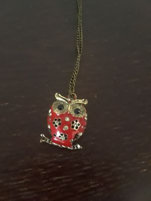 Beautiful Owl Necklace, red with rhinestones for Sale in Cedar Falls, IA