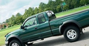 Toyota 02 tACOMA for Sale in Hilliard, OH