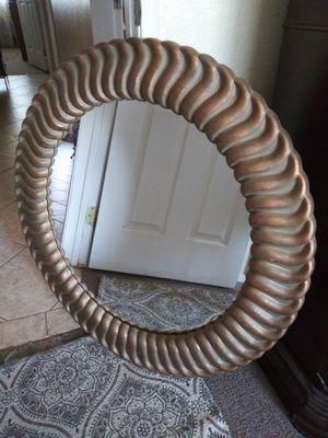 Espejo redondo de Home Interior mide 35 for Sale in Corona, CA