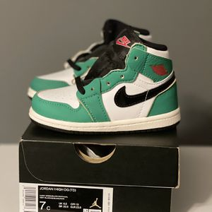 Jordan 1 Lucky Green (TD) Size 7c for Sale in Bristol, CT