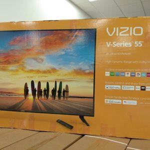 """55"""" Vizio UHD HDR SMART TV for Sale in Fontana, CA"""