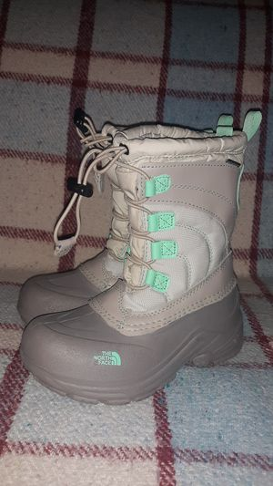 The North Face Kids Snow Boots Size 1 for Sale in Chandler, AZ