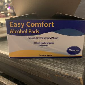 Alcohol Pads 100 Perbox for Sale in Stuart, FL