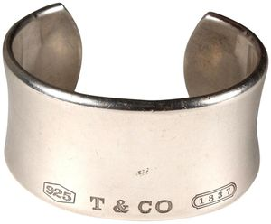 Tiffanny & co.cuff bracelette for Sale in Salt Lake City, UT