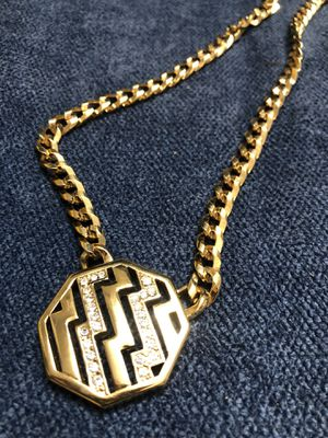 Avon necklace new for Sale in Aurora, CO