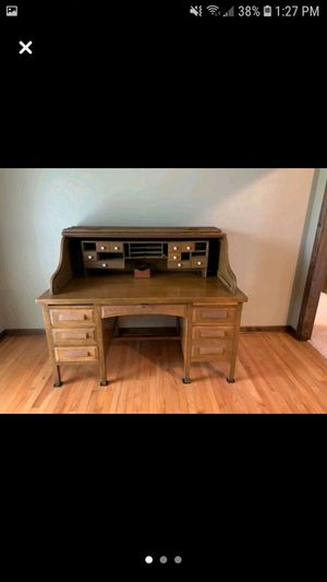 Antique roll top desk for Sale in New Lenox, IL