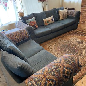 FREE COUCHES!! for Sale in Fremont, CA