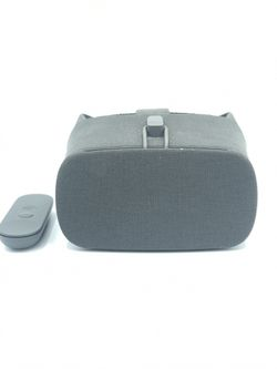 Google Daydream VR headset for Sale in Queens,  NY