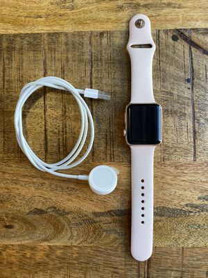 Apple Watch Series 3 (42mm) for Sale in San Francisco, CA