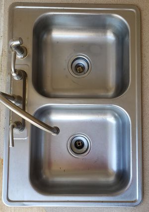 Sink and faucet. Fregadero y grifo for Sale in Lake Wales, FL
