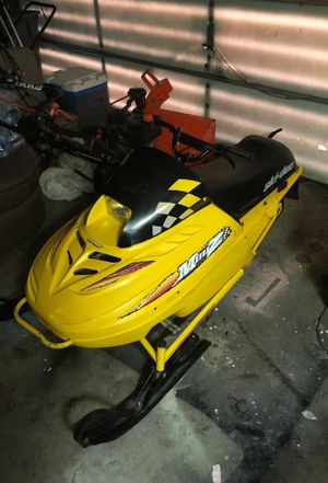 Mini z youth snowmobile for Sale in Lombard, IL