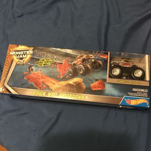 Hot wheel monster jam for Sale in Lynwood, CA