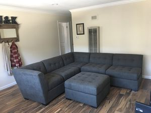 Macy's Gray Sectional (like new!!!) for Sale in Lodi, CA