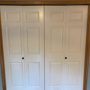 Bifold Raised Panel Doors (6 total) for Sale in Duvall, WA