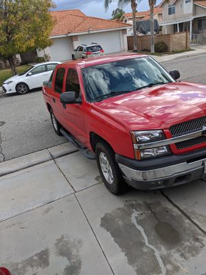 2004 Chevy avalanche for Sale in San Jacinto, CA