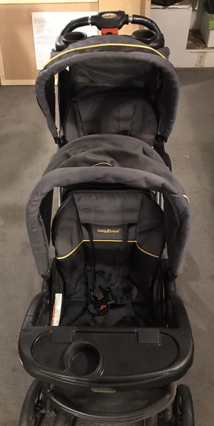Sit and stand double stroller for Sale in Apple Valley, CA