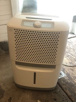 Frigidaire dehumidifier for Sale in Milwaukie,  OR