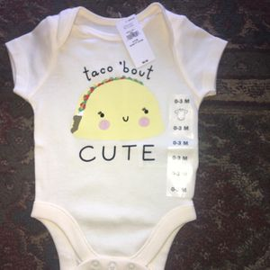 Old Navy Baby Boy's / Girl's Short Sleeve Onesie, Size 0-3 Months for Sale in San Diego, CA