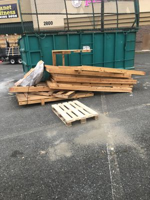 Pallet wood for Sale in Auburn, WA