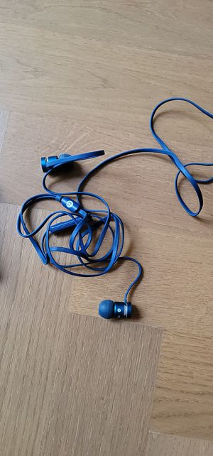 Beats wired headphones blue for Sale in Brooklyn, NY