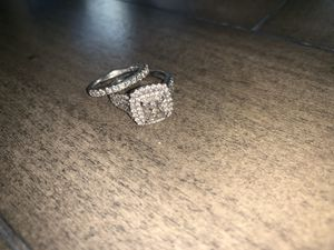 Vera wang Wedding band and engagement ring for Sale in Gaithersburg, MD