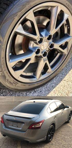 $1200 Nissan Maxima for Sale in Altadena, CA