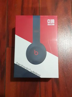 Beats by Dr. Dre Solo3 Club Collection On Ear Wireless Headphones club Navy Authentic for Sale in Kent, WA