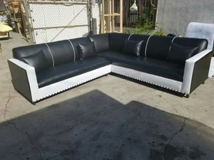 NEW 9X9FT BLACK LEATHER SECTIONAL COUCHES for Sale in San Bernardino, CA