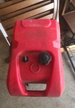 Attwood 5 gallon gas tank for Sale in Manson,  WA
