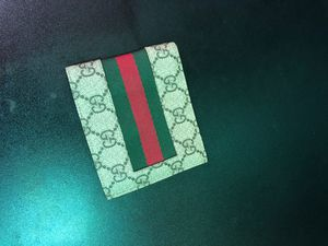 Gucci men's wallet for Sale in Tulsa, OK