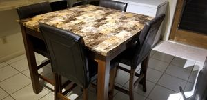 Dining table with 4 chairs .Like New !! for Sale in Cape Coral, FL