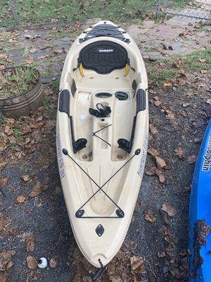 Sundolphin kayak for Sale in Middletown, PA