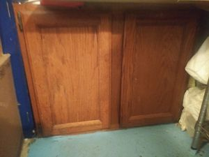 Wel_bilt small cabinet .oak/wallnut stained 2 door one shelf for Sale in Wyandotte, MI