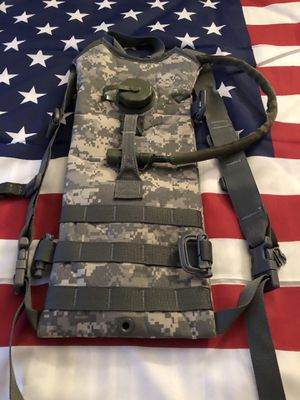 Military Molle 3L Hydration System Carrier Backpack with Bladder - ACU - NEW for Sale in Las Vegas, NV