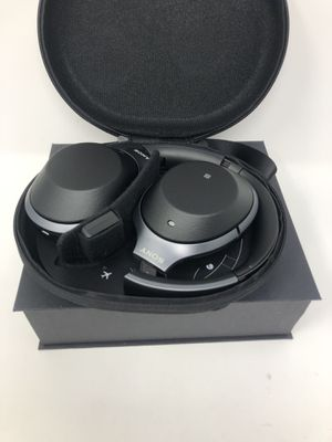 Sony WH-1000XM2 Wireless Headphones for Sale in Melrose Park, IL