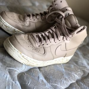 AIR FORCE 1 HIGH '07 LVB LTHR for Sale in East Dundee, IL