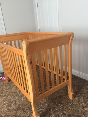 Baby crib with dresser for Sale in Nashville, TN