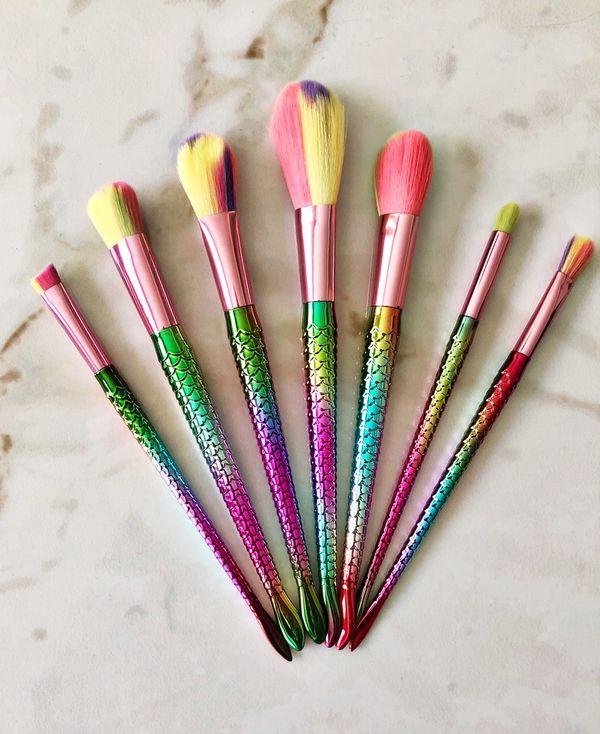 Multicolor mermaid set!! 7 brushes 🧡🧜♀️💚