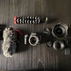 Canon EOS M50 with Lens, Tripod, and Mics - BUNDLE for Sale in Manteca, CA
