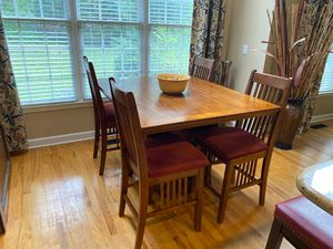 Solid wood kitchen table and chairs for Sale in Charlotte, NC