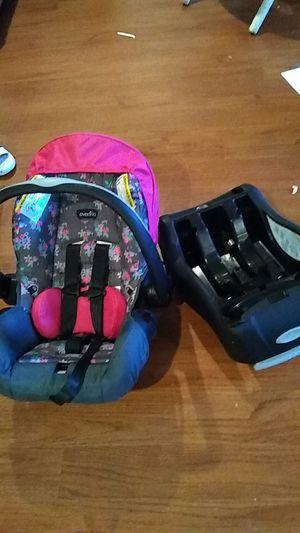 Evenflo infant car seat :) for Sale in Marietta, GA