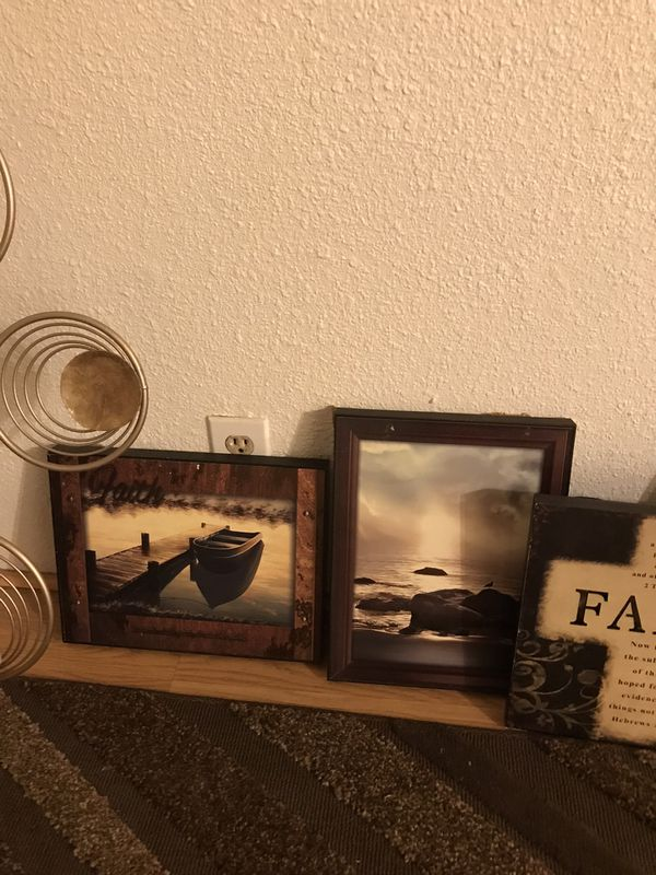 Decorative pictures and wall art