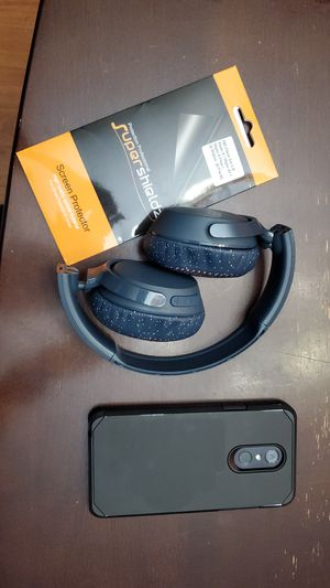 LG stylo 4 and skull candy wireless headphones, extra screen protectors for Sale in Gresham, OR