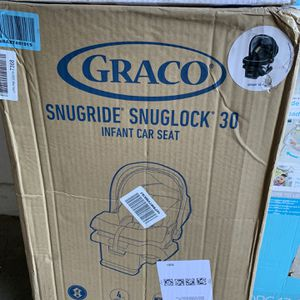 Gracie SnugRide SnugLock 30 Infant Car Seat for Sale in Las Vegas, NV