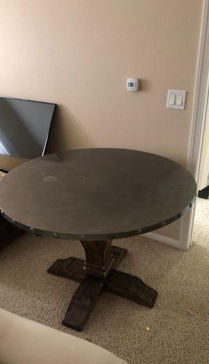 Round rustic kitchen table for Sale in San Diego, CA